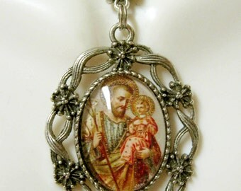 Saint Joseph pendant and chain - AP26-199