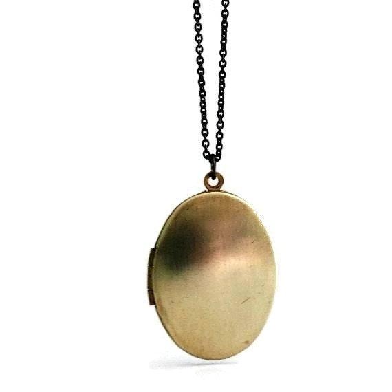 Locket Necklace / Vintage Oval Locket / Keepsake Locket / Photo Locket / Locket Jewelry