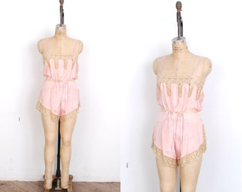 Vintage 1920s Lingerie / 20s Silk and Lace Step In Romper / Pink  (M L)