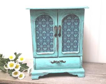 Turquoise Shabby Chic jewelry box, Barnwood Hand painted jewelry box, Farmhouse decor