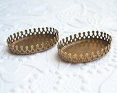 3 - 20x15mm antiqued brass oval crown settings for cabochons - CX150