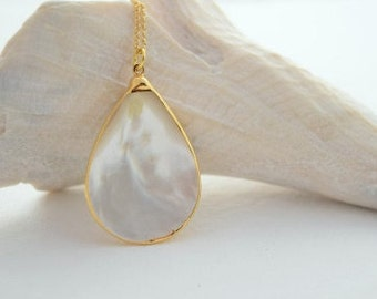 Pearl and Gold Bezel Necklace