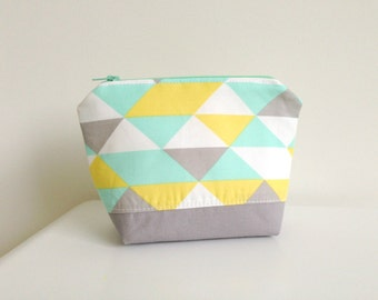 Organic Make up Pouch - Modern Geometric in Soft Gray, Yellow, Aqua and White