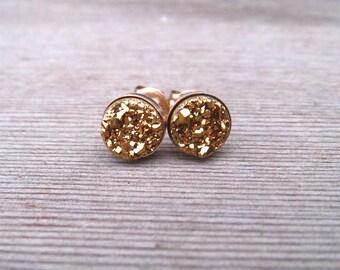 14 K Gold Druzy Stud Earrings, 6 mm Titanium Drusy Quartz Earrings, Tiny Gold Stud, Minimalist Jewelry, Small Druzy Earrings