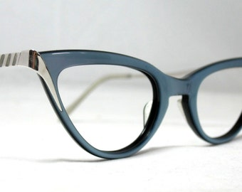 Vintage 60s Cat Eye Eyeglass Frames. Blue and Silver