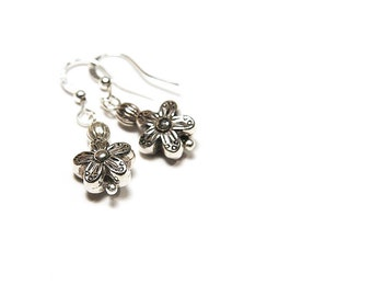 Summer Party Minimal Earrings Tiny Flower Silver Earrings Petite Earrings Cute Mini Earnings Dangle Earrings gift for her everyday jewelry