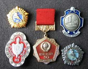 Instant collection of vintage Russian pins and medals. Olympics sport event souvenir from Moscow USSR Russia. CCCP memorabila.