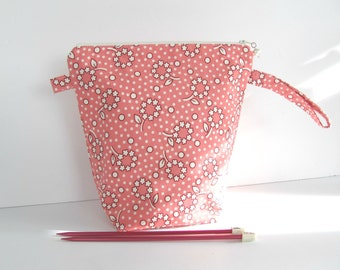 Wedge Knitting Bag, Medium Knitting Project Bag Pink Posies Zippered Pouch
