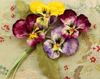 Vintage flower cloth corsage  pansy violet shades stamens velvet millinery  spray trim  flower making supply 1940 1950 1960