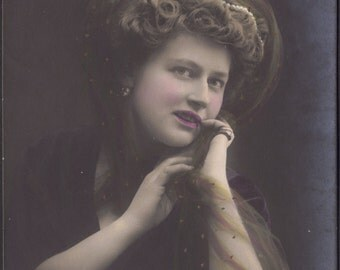 Lovely Hand-Tinted Glamor Image, German Postcard circa 1910