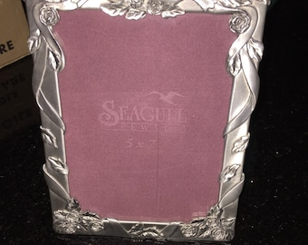 Pewter Picture Frame Doves/Seagull Pewter Frame Made in Canada/ Love Birds/Rose/Wedding Frame/ By Gatormom13