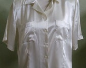 """Vintage Christie & Jill Cream Short Sleeved Blouse with 2 Front Pockets Bust 44"""" Waist 40"""""""