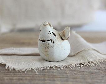 Vintage handmade art pottery mouse figurine