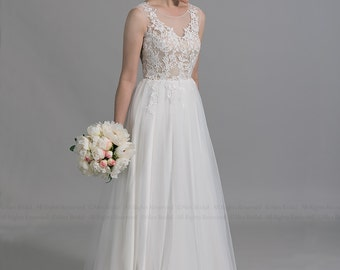 Sleeveless lace wedding dress, venice lace appliques with tulle skirt.