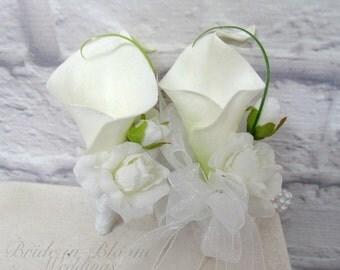 Wrist corsage boutonniere set - White Wedding wrist corsage, Prom boutonnieres