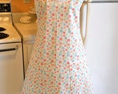 Old Fashioned 1940s Style Full Apron