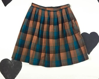 50's 60's plaid pleated full skirt 1960's 1950's sweet turquoise brown knee length circle skirt / wool / school girl / preppy / new look / L