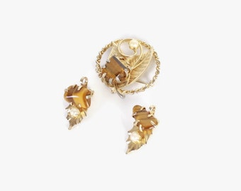 Vintage 60s BROOCH and EARRING SET / 1960s Gold Tiger Eye & Pearl Leaf Clip Jewelry Set