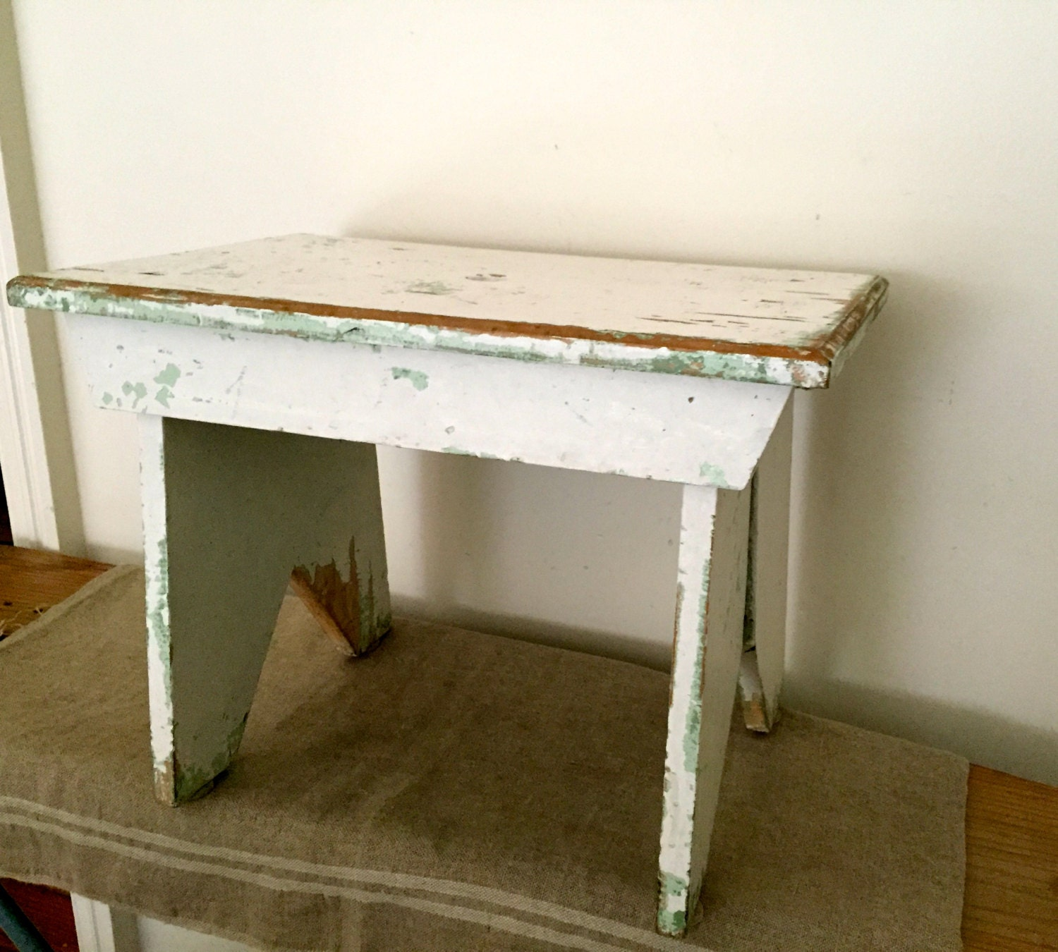 Fabulous VINTAGE Painted Chippy Large Size Wooden Stool. Vintage Home . Full resolution‎  picture, nominally Width 1500 Height 1350 pixels, picture with #463817.