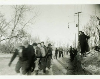 "Vintage Photo ""The Racing Ice Skaters"" Snapshot Photo Old Antique Photo Black & White Photograph Found Photo Paper Ephemera Vernacular - 31"