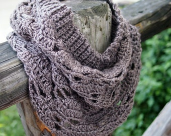 Crochet PATTERN Heartland loop scarf snood cowl women neckwarmer, woman circle scarf, winter clothing DIY tutorial,  Instant download