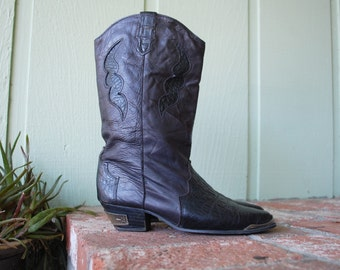 Vintage Womens 7.5 Dingo Leather Black Boots Boot Pull On Riding Roper Aztec Southwestern Country Western Cowgirl Hipster Motorcycle 80s 90s