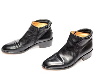 mens vintage boots 70s Mario Calugi chelsea boots black leather Beatle boot mens dress boots mens size 8.5 pointy toe Italy
