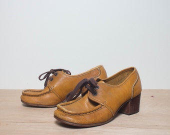 sz 6 | Women's 1960's Vintage Shoes Moc Toe Chunky Heel Oxfords