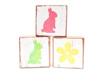 Easter Blocks, Spring wood blocks REVERSIBLE - Spring decoration, 3 redwood blocks
