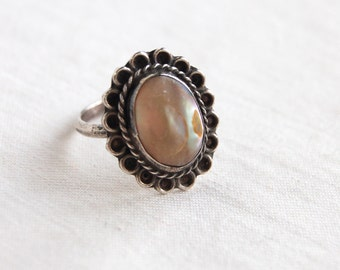 Mexican Abalone Ring Mother of Pearl Size 6 Sterling Silver Cameo Ocean Depths Vintage Made in Mexico