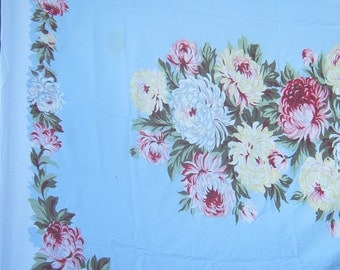 Vintage FOOTBALL MUMS TABLECLOTH Pastel Flowers Table Linens Floral