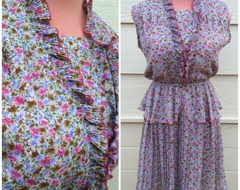 CLEARANCE - Pretty pink purple ditsy floral frill neckline and waist 70s vintage dress size M-L