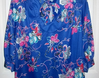 Vintage 1970s Ladies Royal Blue & Pink Floral Print Blouse by Amy Lynn Medium Only 7 USD