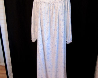 Vintage Lanz of Salzburg Soft Blue Rose Floral Flannel Tyrolean Nightgown  Cotton Granny Night Gown Women's size L