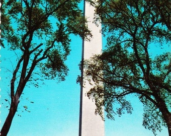 Vintage Postcard The Washington Monument Washington D.C. Dexter Press 1970s, Color Photograph, National Mall, George Washington, Marble