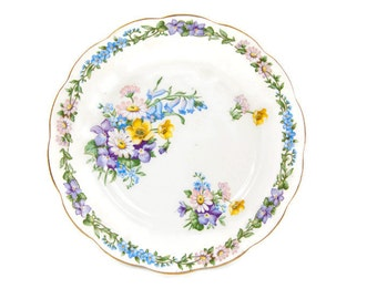 Vintage Roslyn Fine Bone China Dessert Plate Made in England Garland Pattern
