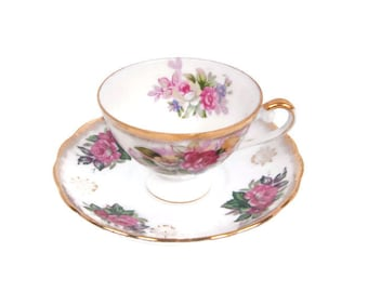 Vintage Chrysanthemum Teacup November Tea cup Saucer Iridescent Luster Tea Cup Purple Lilac Mums Norleans Japan