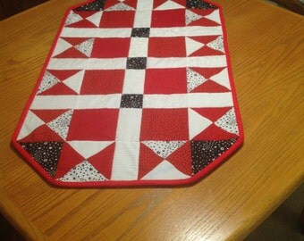 Red, White and Black Quilted Table Topper, quilted table runner, dresser topper