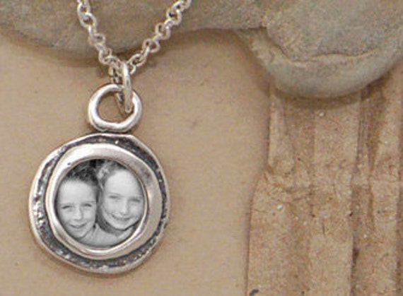 Photo Necklace, Photo Pendant Necklace, Perfect for Mom, Grandma, Aunt, Sister, New Mom