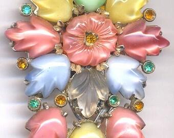 Multi Color Leaves  Dress Clip  Item: 13325