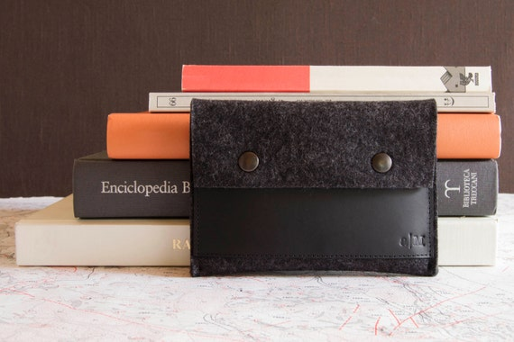 Felt and leather PASSPORT WALLET, passport case, charcoal and black, wool felt, handmade, made in Italy