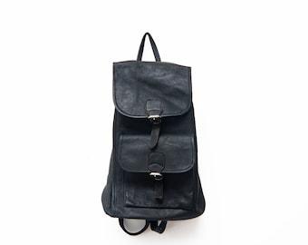 Vintage black leather backpack / 90s rucksack