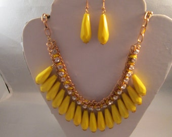 Bib Necklace and Earrings set with Yellow Teardrop Dangles and Clear Rhinestones on a Gold Tone Chain