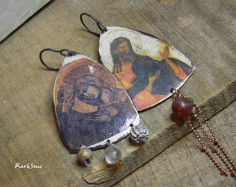 "Earrings bohemian-vintage ""Contemplation"" pendant to the Saints- fine stone and copper- orange-antique white"