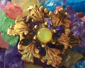 Vintage Gold & Yellow Center Flower Blossom Brooch Pin