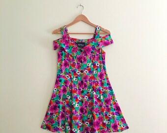 Vintage Off the Shoulder Floral Babydoll Dress / Mini Dress / 80s 90s