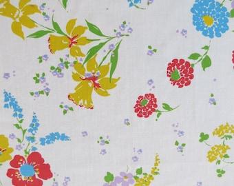 One Yard of Vintage Sheet Fabric - Yellow Daffodil Floral - 1 yd