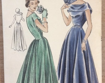 Vintage 1940's Dress Sewing Pattern Vogue 6642 - Evening Gown, Wedding Dress, Ball Gown, Long Dress