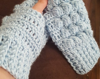 Puff Stitch handwarmers -- Light Blue