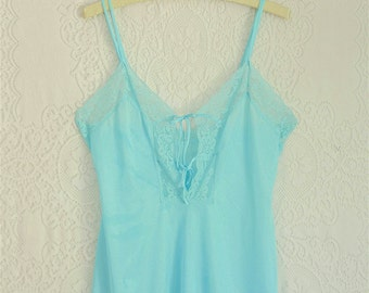vintage 1970s light turquoise lace up camisole